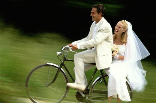 Kır Düğünü İçin Gelinlik Modeli Seçimi 3 Kır Düğünü Nasıl Bir Gelinlik Seçilmeli ?