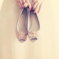 Çiçekli Düz Taban Gelin Ayakkabısı Modelleri 200x200 Düz Taban Gelin Ayakkabısı Modelleri
